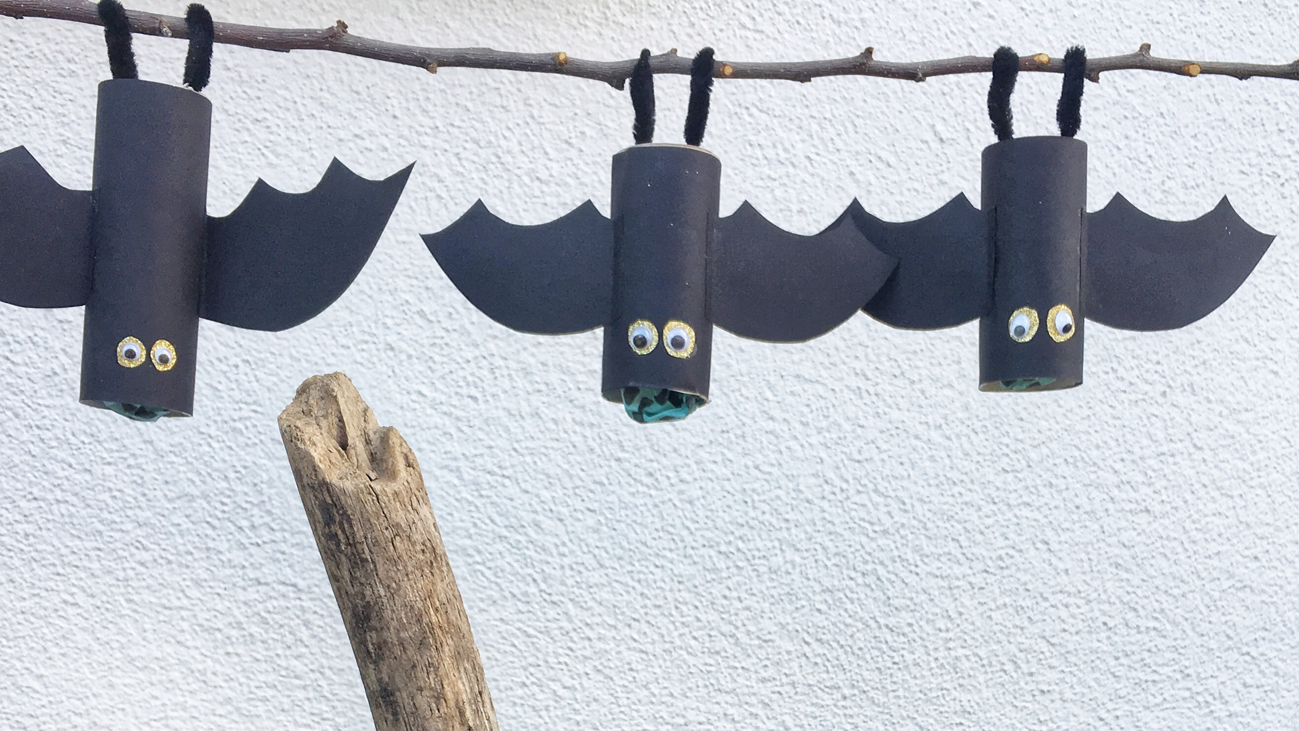 Halloween-Party: Fledermaus-Pinatas