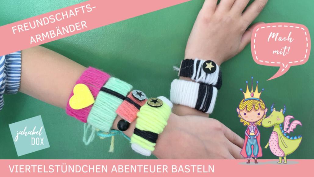 Bunte Freundschafts-Armbänder erhalten die Freundschaft